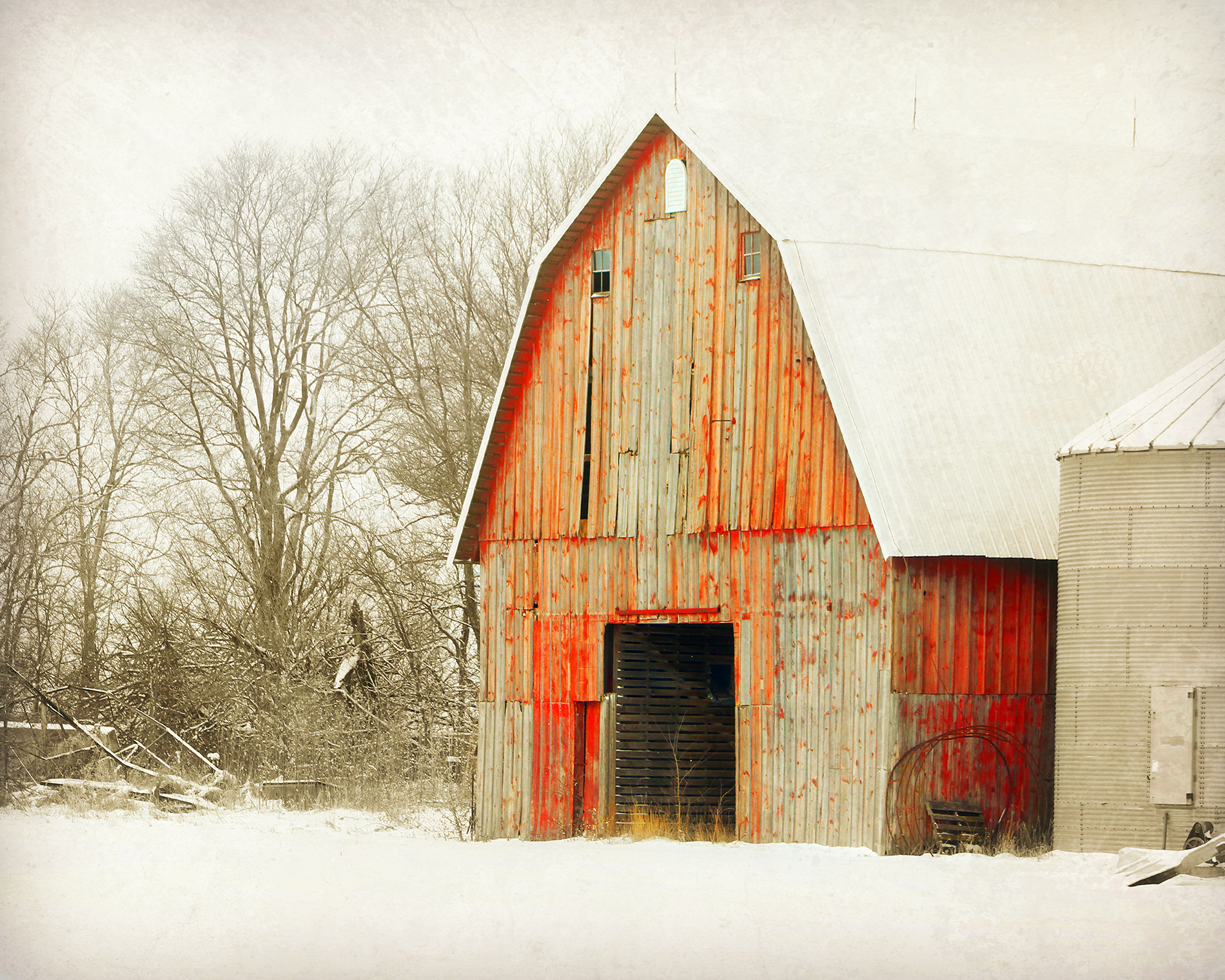 weathered-red-barn-zapp.jpg